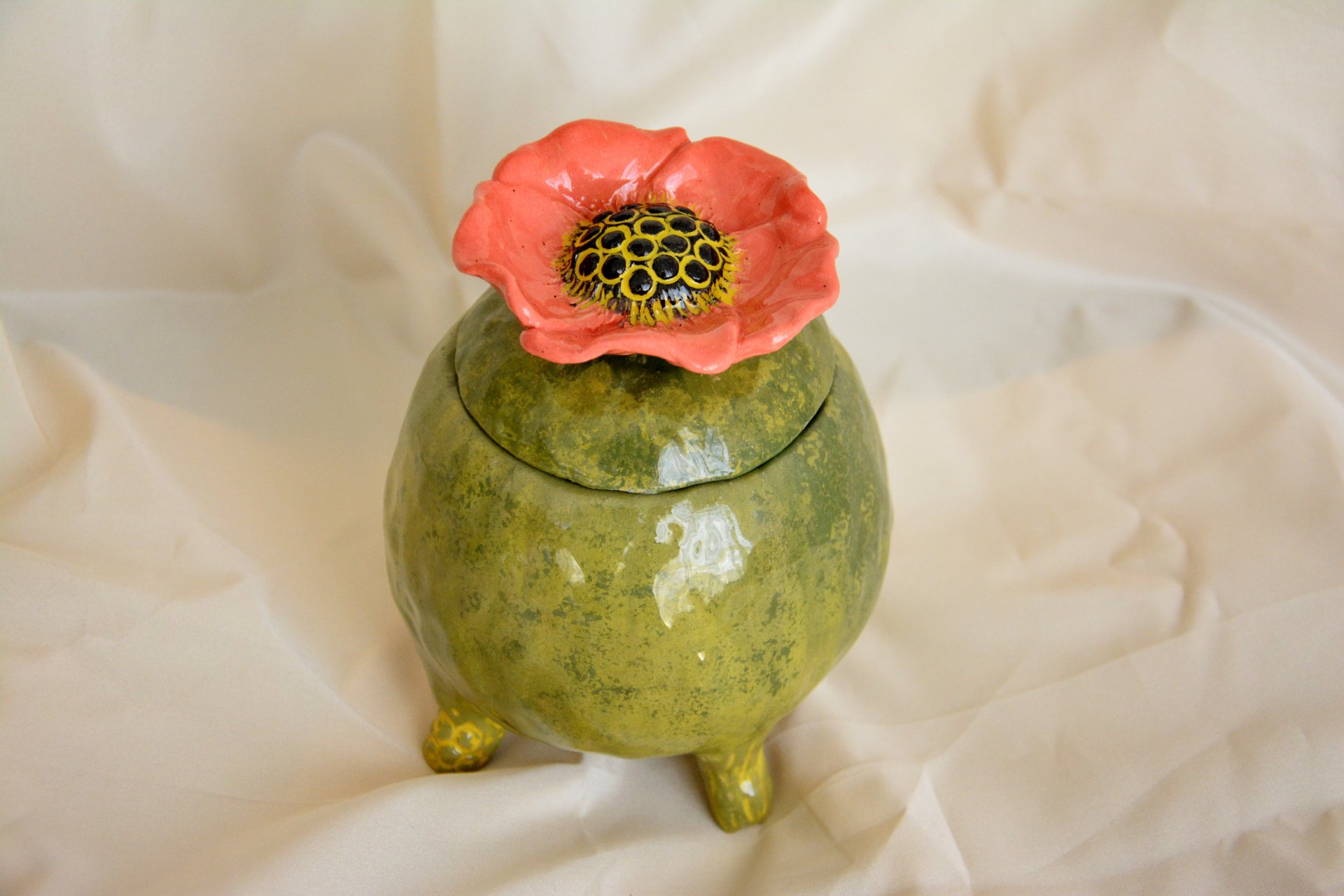 Green jar with Poppy - Ceramic jars, 12 cm * 12 cm, height - 15 cm, photo 1 of 3.
