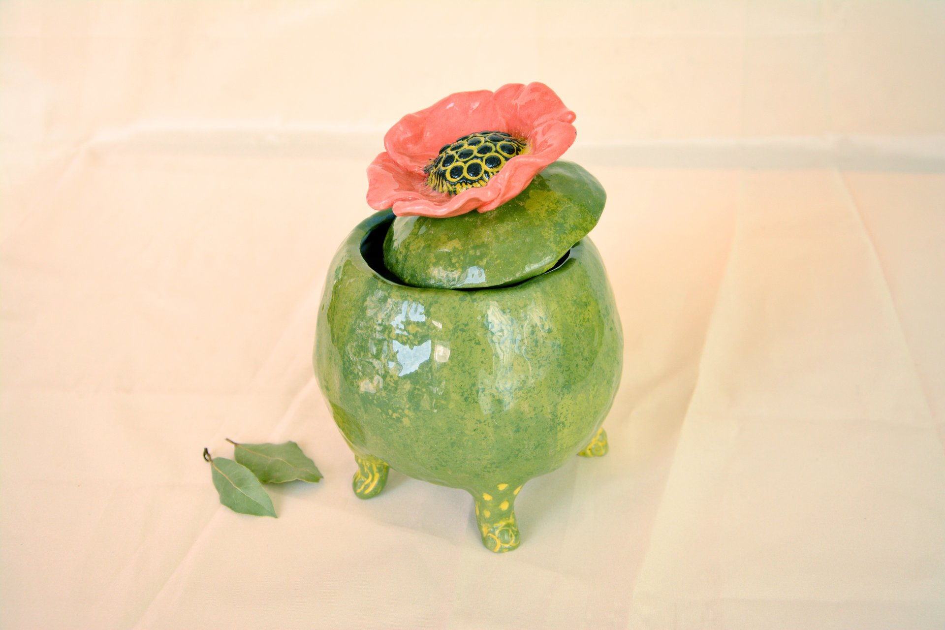 Green jar with Poppy - Ceramic jars, 12 cm * 12 cm, height - 15 cm, photo 2 of 3.