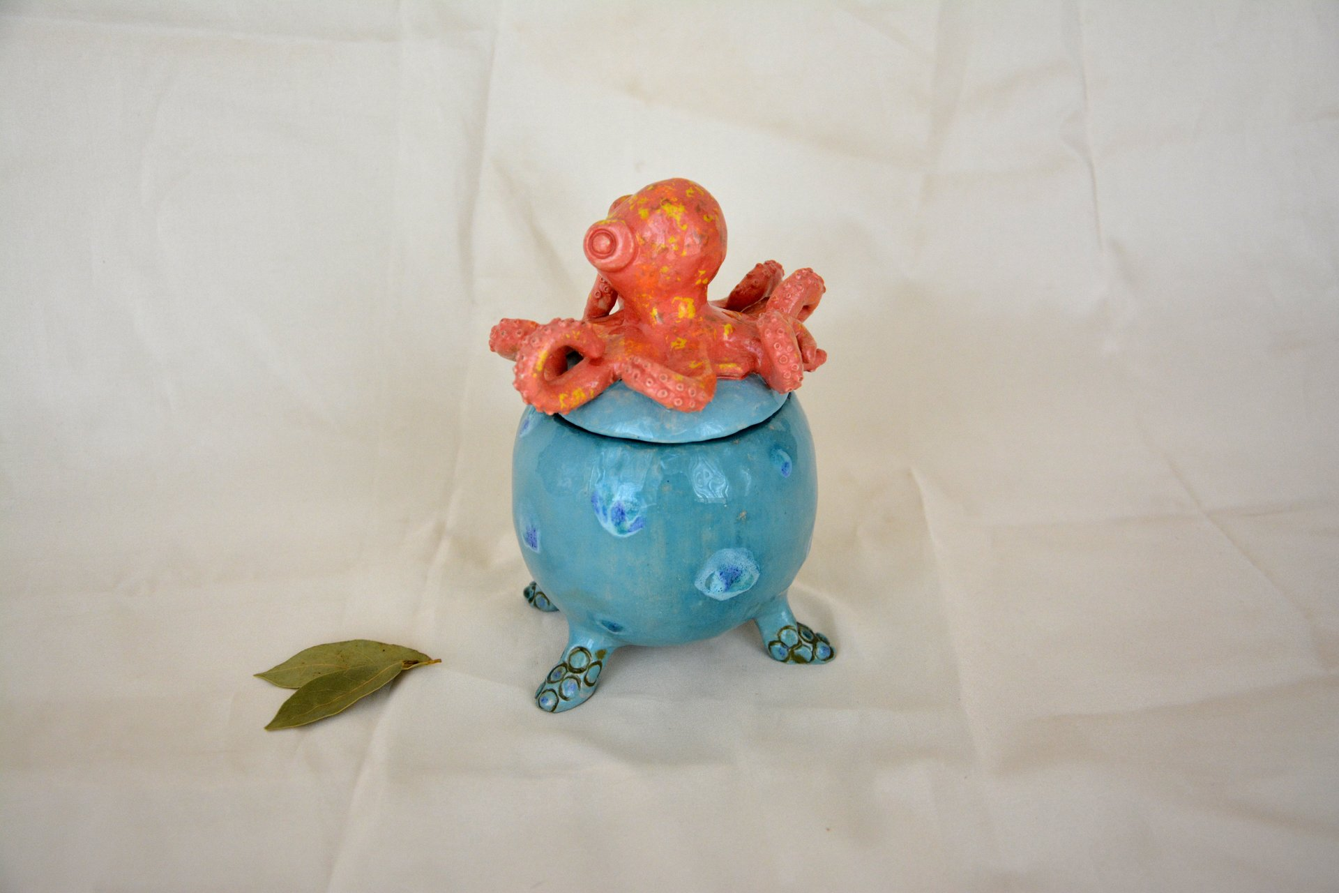 Octopus - Ceramic jars, 10 cm * 10 cm, height - 15 cm, photo 2 of 3.