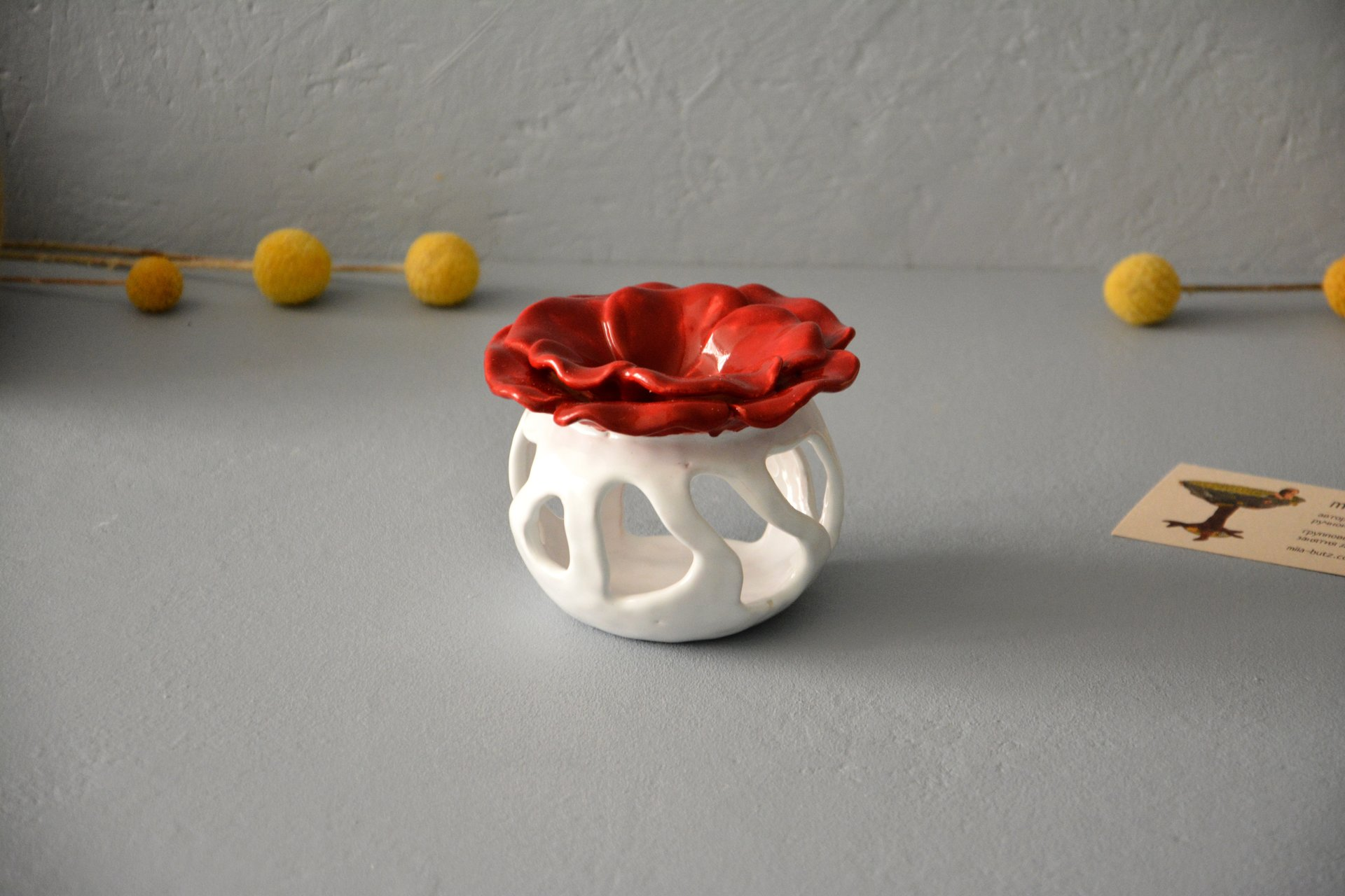 Ceramic Aroma Lamp Poppy, White with Red, color - white with red, height - 8.5 cm, diameter - 9 cm, photo 2 of 5.