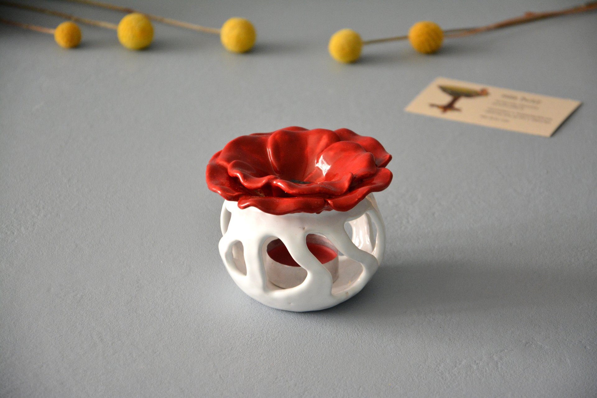 Ceramic Aroma Lamp Poppy, White with Red, color - white with red, height - 8.5 cm, diameter - 9 cm, photo 1 of 5.