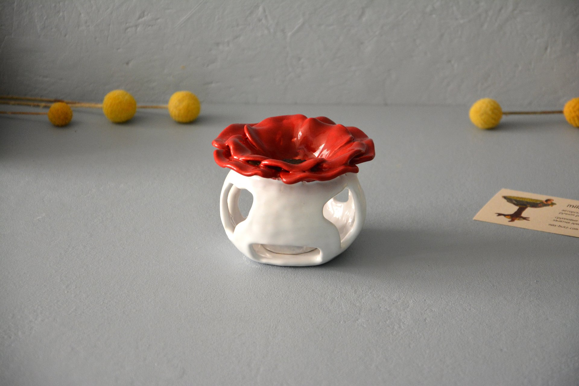 Ceramic Aroma Lamp Poppy, White with Red, color - white with red, height - 8.5 cm, diameter - 9 cm, photo 4 of 5.