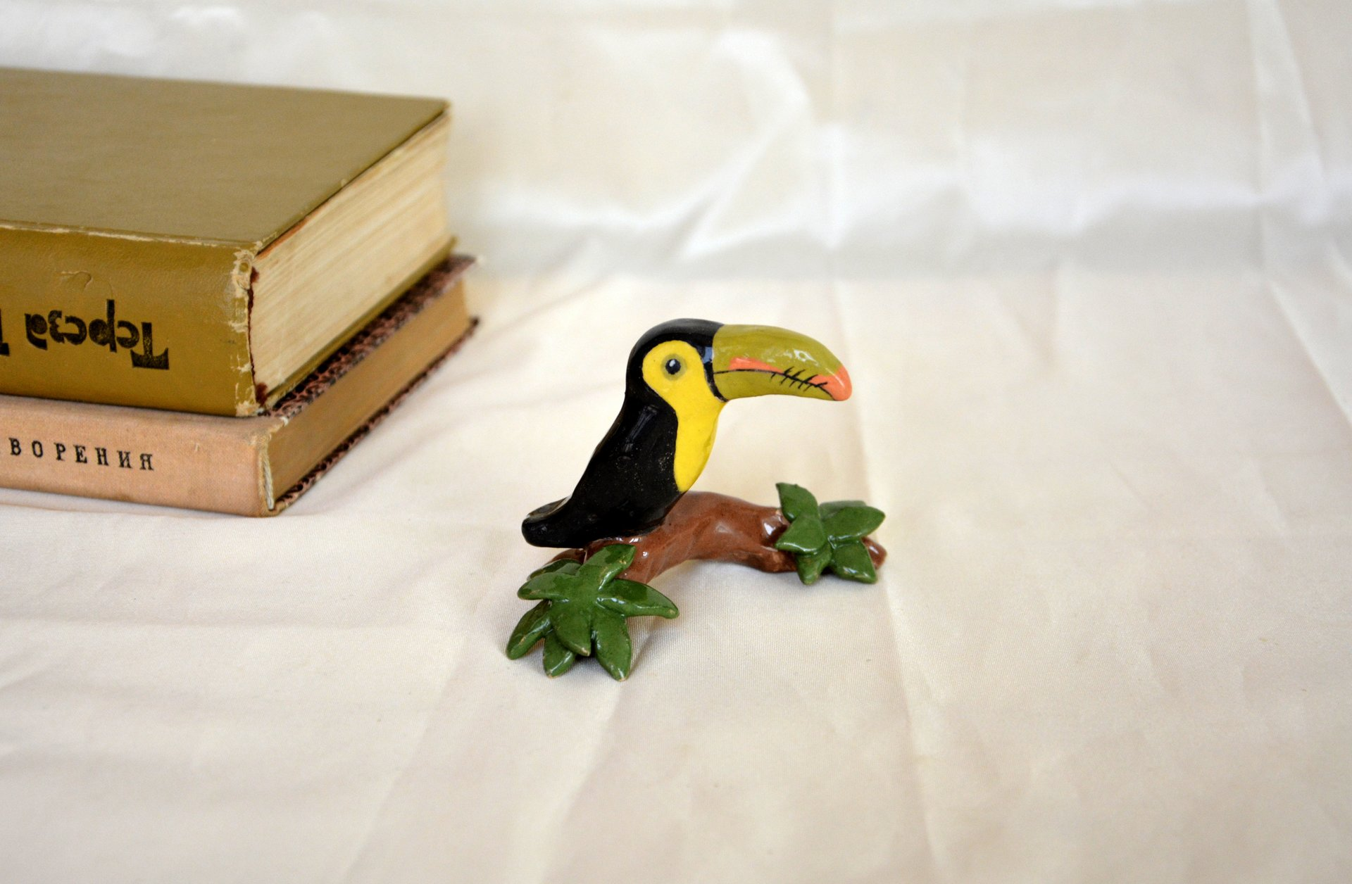 Statuette Toucan - Animals and birds, height - 5 cm, photo 1 of 1.