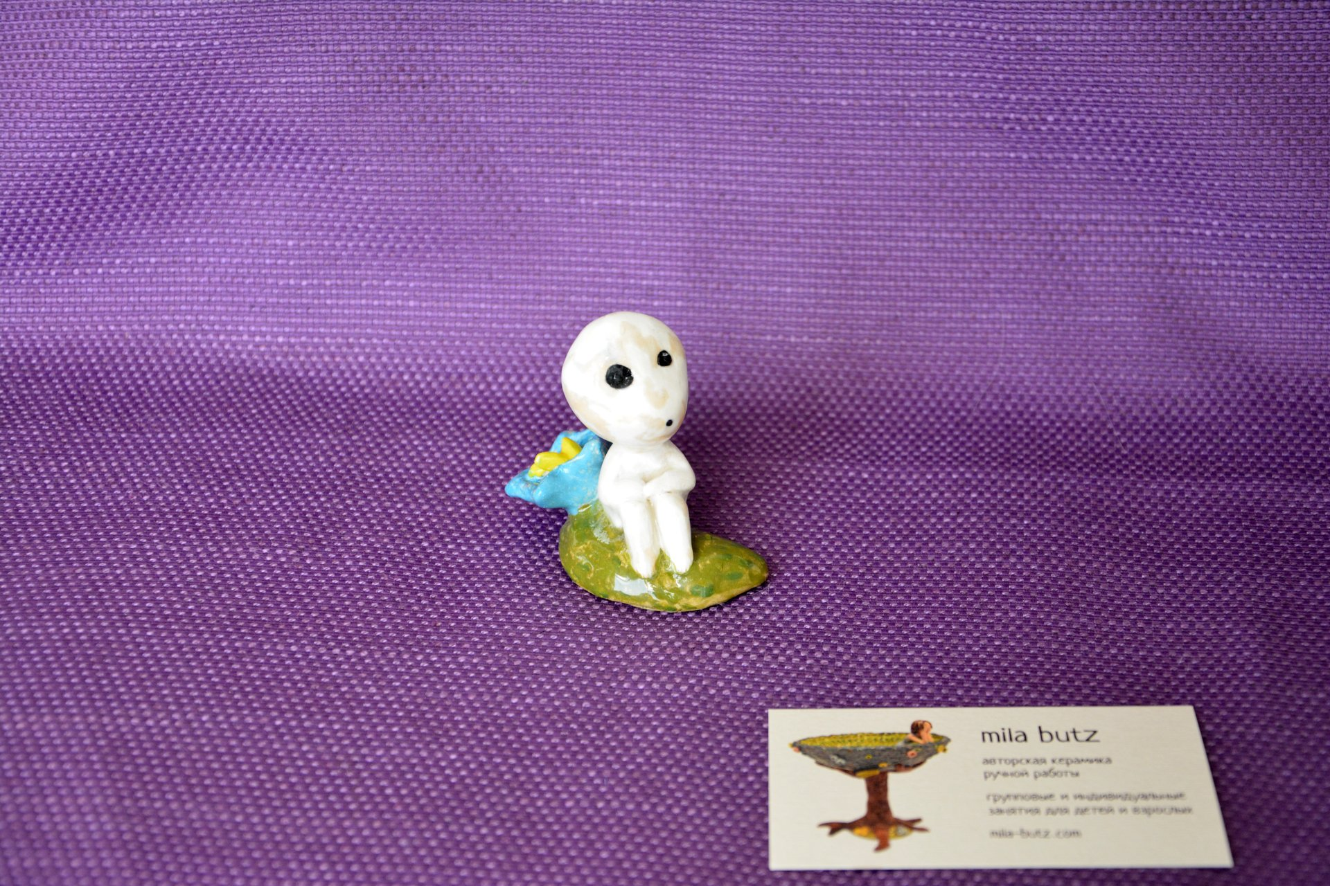 Figurine of Kodama Spirit of a tree by a flower, height - 6 cm, photo 2 of 4.