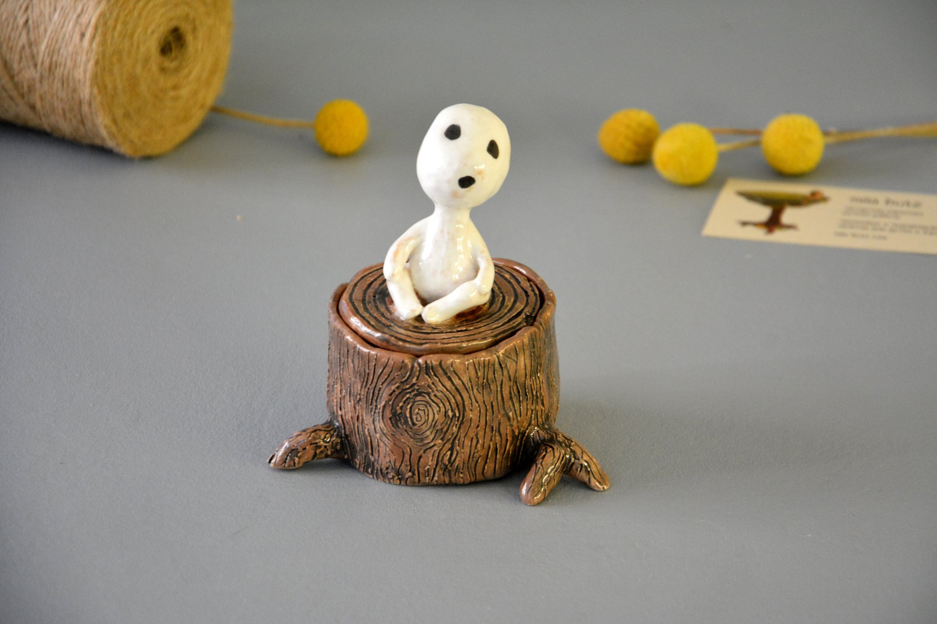 Figurine of the Kodama of tree spirit on the hemp, height - 11 cm, diameter - 6 cm, photo 2 of 4.