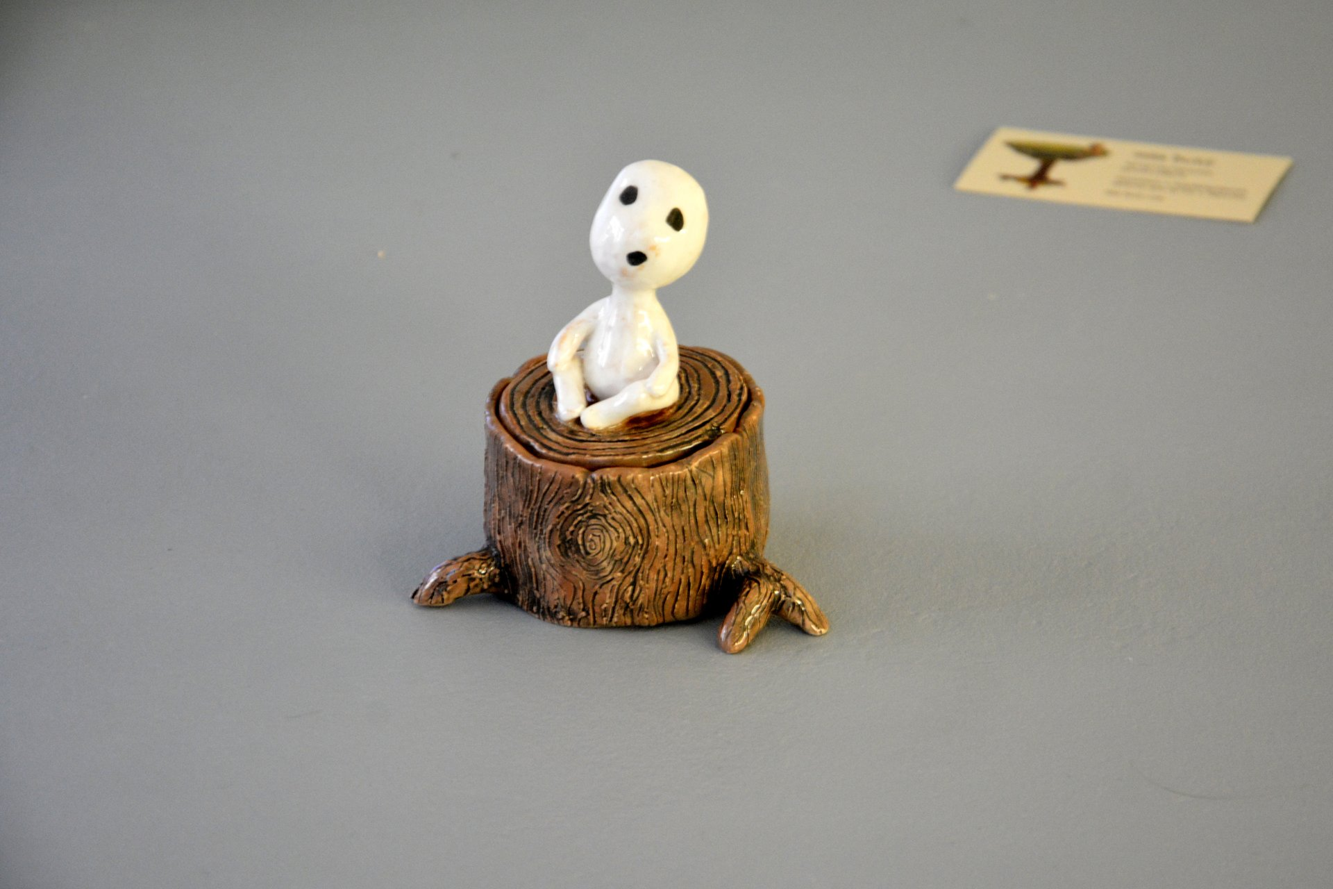 Figurine of the Kodama of tree spirit on the hemp, height - 11 cm, diameter - 6 cm, photo 1 of 4.