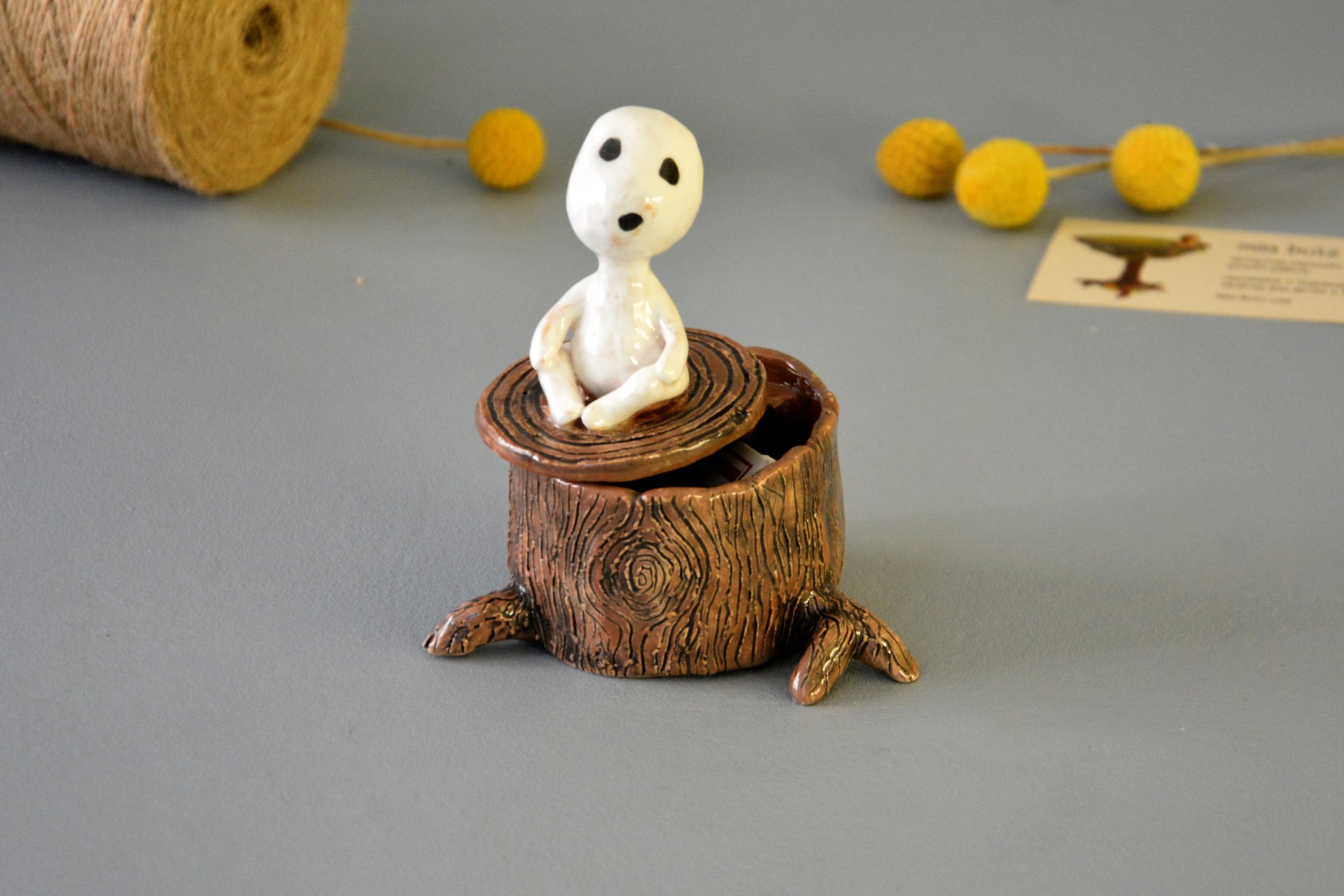 Figurine of the Kodama of tree spirit on the hemp, height - 11 cm, diameter - 6 cm, photo 3 of 4.