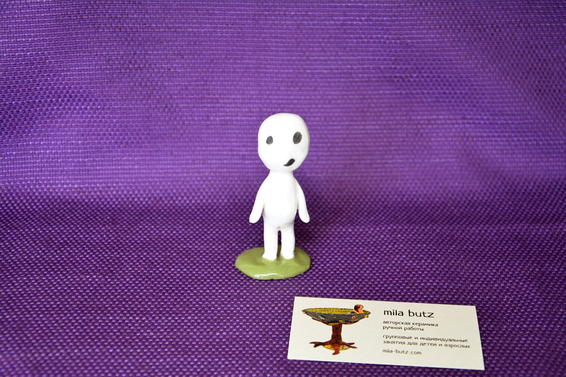 A figurine of the whispering Kodama tree spirit, height - 8.5 cm, photo 3 of 4.