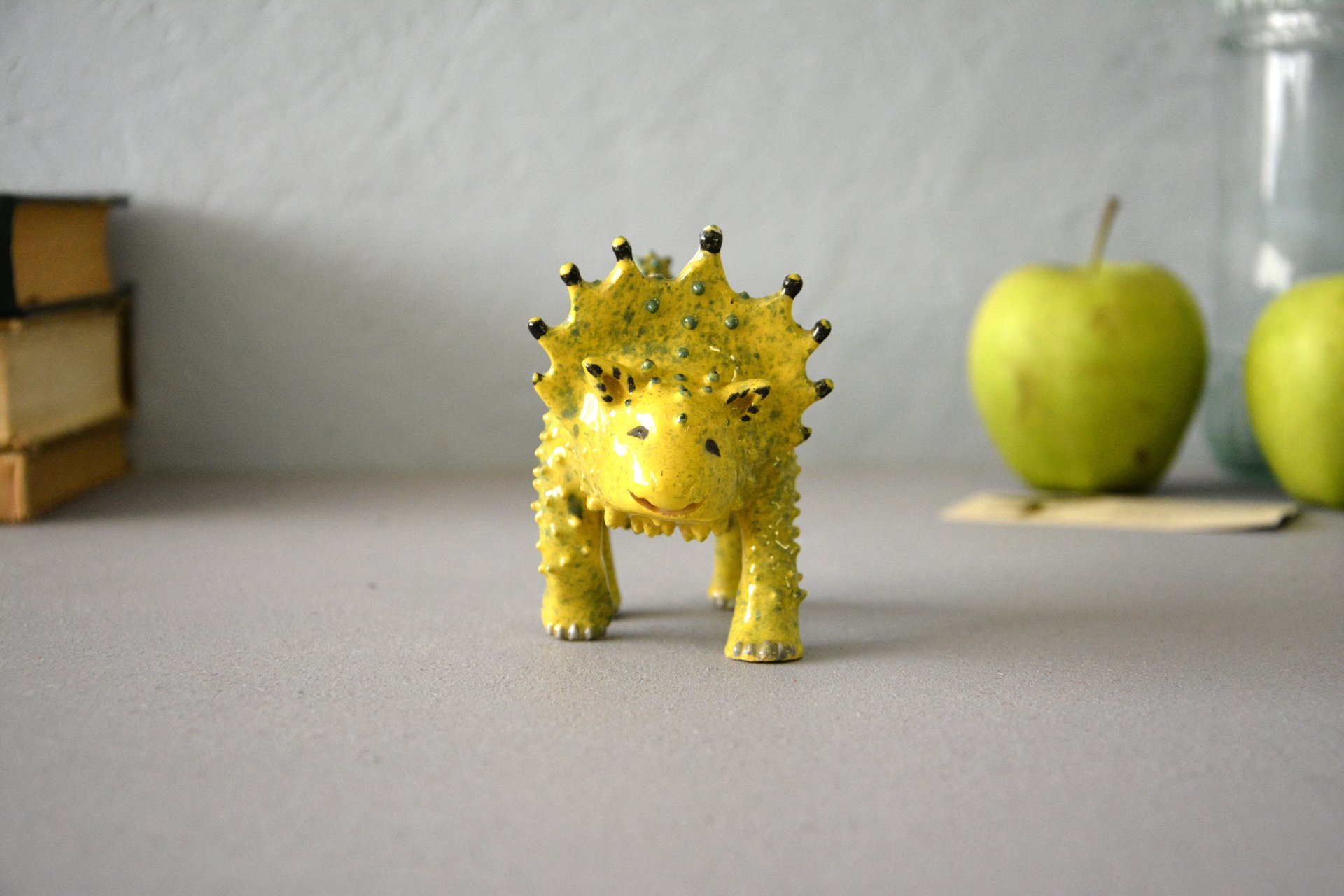 Sunosaur - Ceramic fantastic creatures, height - 9,5 cm, length - 12 cm, photo 1 of 5.