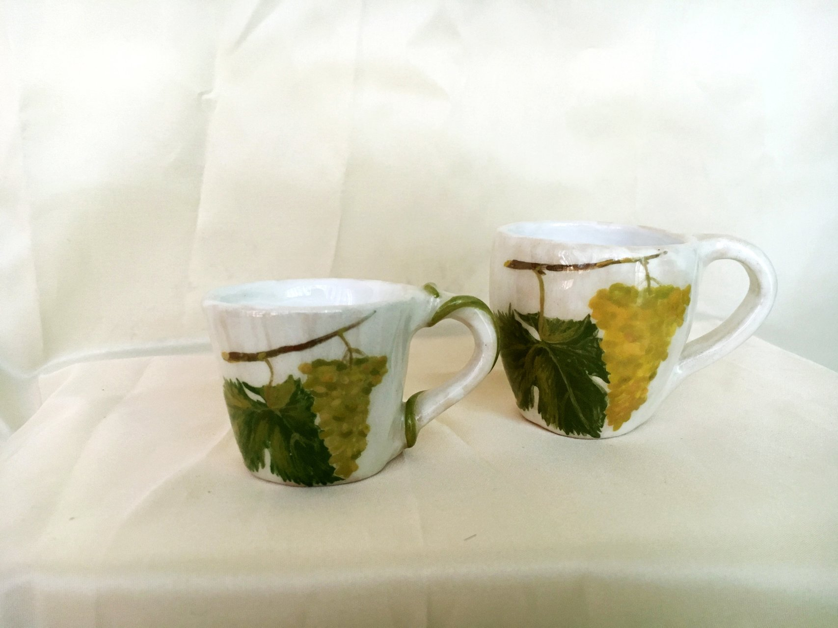 A set of white coffee cups Bunch of grapes - Cups, glasses, mugs, height - 6 cm, volume - 100 ml, photo 2 of 3.
