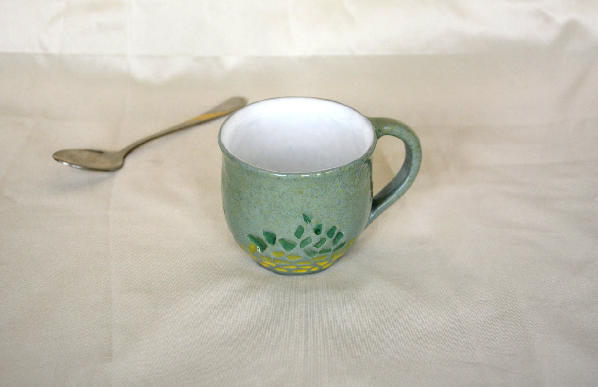 Gray cup for tea or coffee, height - 7 cm, volume - 220 ml, photo 6 of 8.