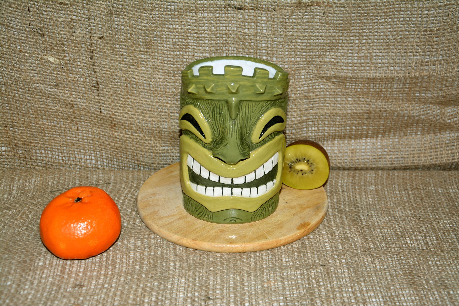 Huge Tiki Glass, color- green, height - 14 cm, volume - 0,7 l, photo 4 of 5.