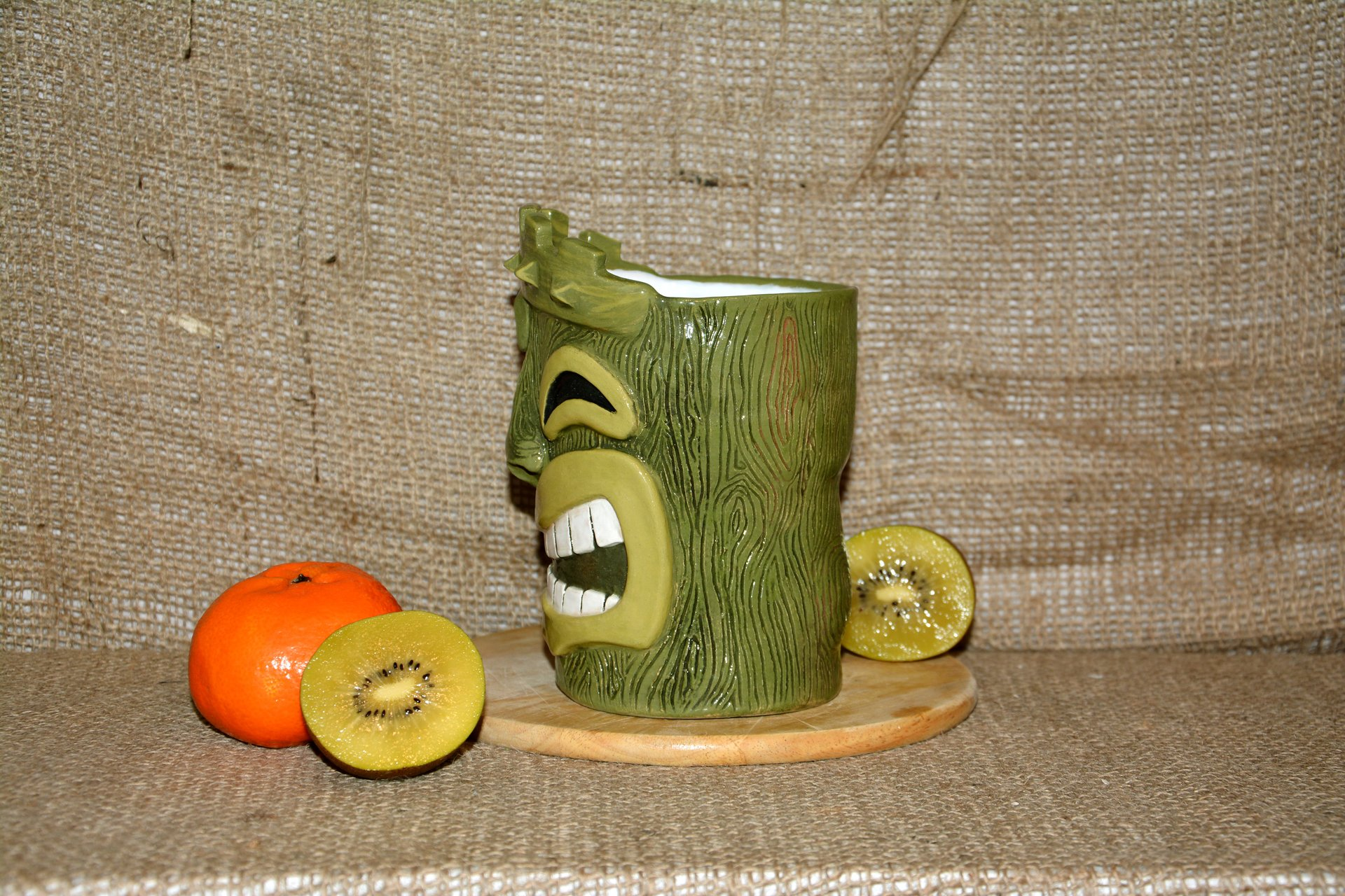 Huge Tiki Glass, color- green, height - 14 cm, volume - 0,7 l, photo 2 of 5.