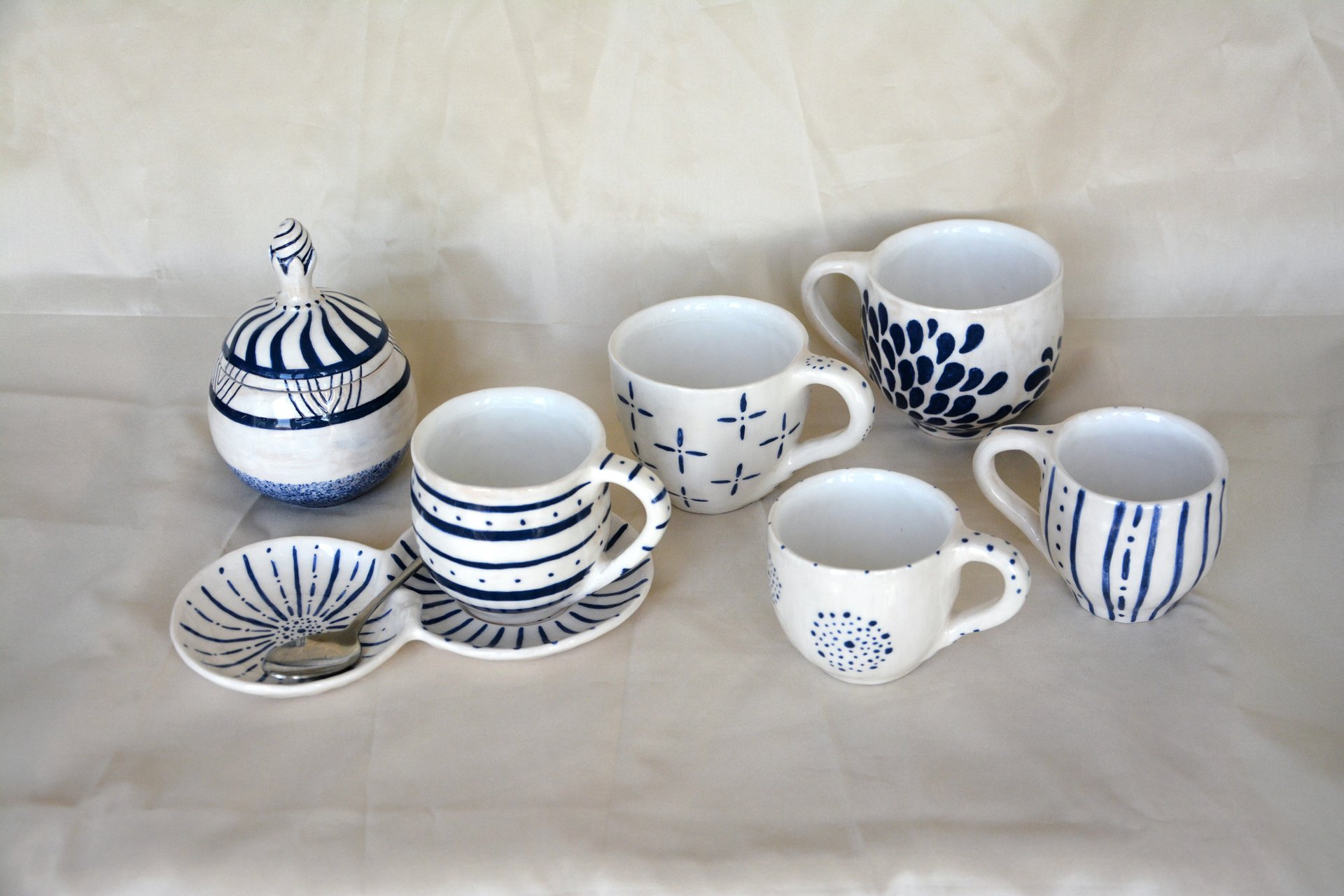 White with blue pattern Strips - Cups, glasses, mugs, height - 7,5 cm, volume - 250 ml, photo 4 of 4.
