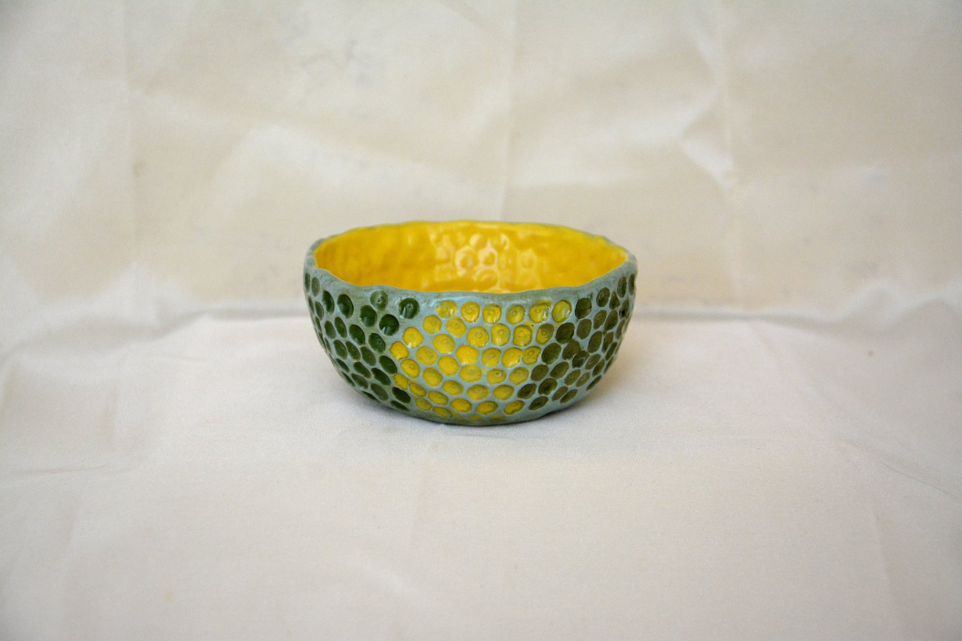 Yellow-blue with textured dots - Pialy and sauceboats, height - 3.5 cm, diameter - 8.5 cm, photo 1 of 3.