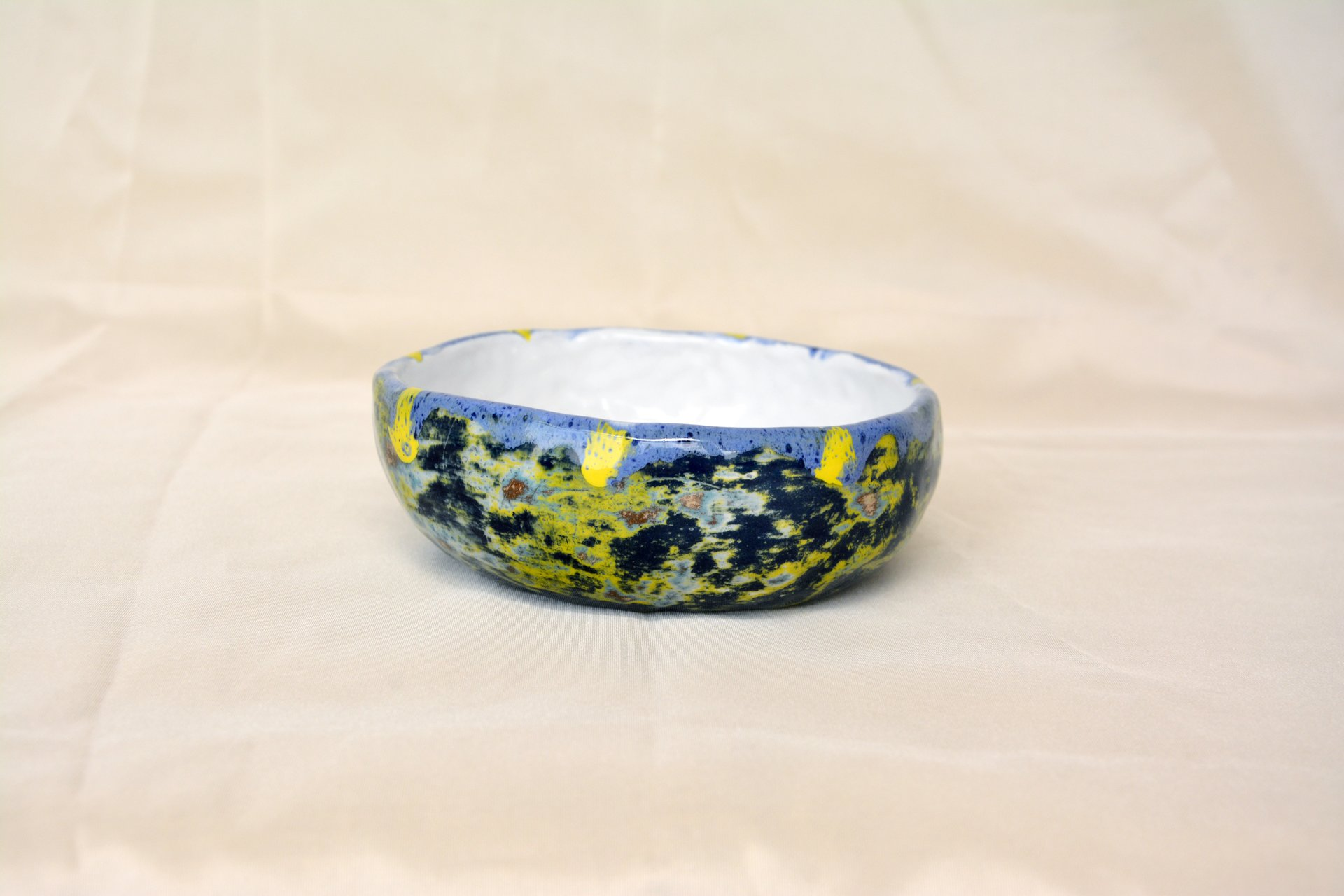 Multilayered dark-blue - Сeramic Plates, diameter - 11,5 cm, height - 4 cm, photo 1 of 3.