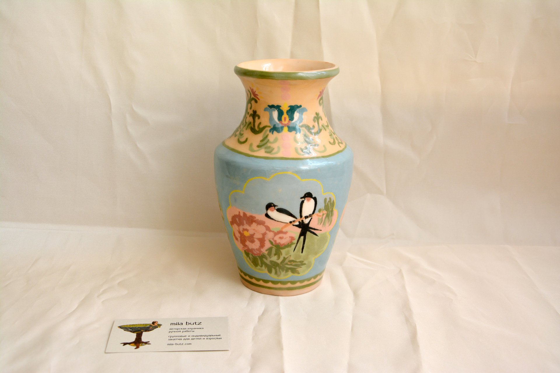 Ceramic classic vase with hand-painted swallows, height  - 18 cm, photo 2 of 5.