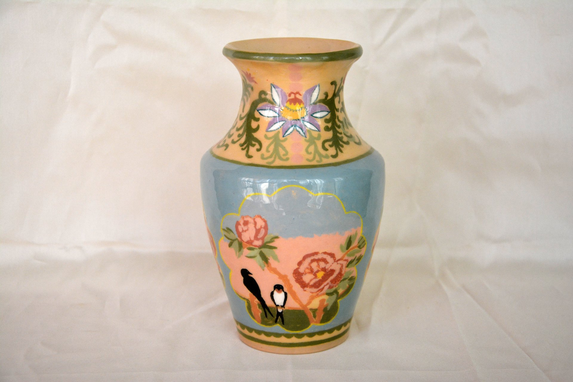 Ceramic classic vase with hand-painted swallows, height  - 18 cm, photo 4 of 5.