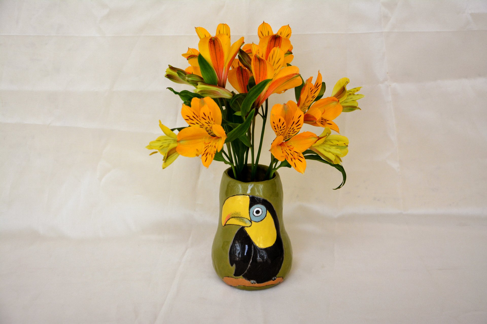 Hand painted vase (with a picture) «Bird Toucan», height - 12 cm. Photo 21.
