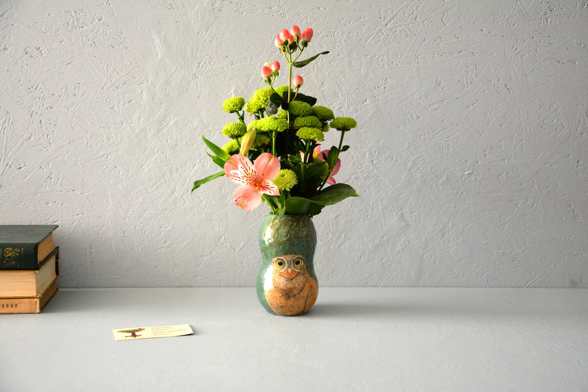 Small Vase or flowers «Burrowing owl», height - 13 cm. Photo 579.