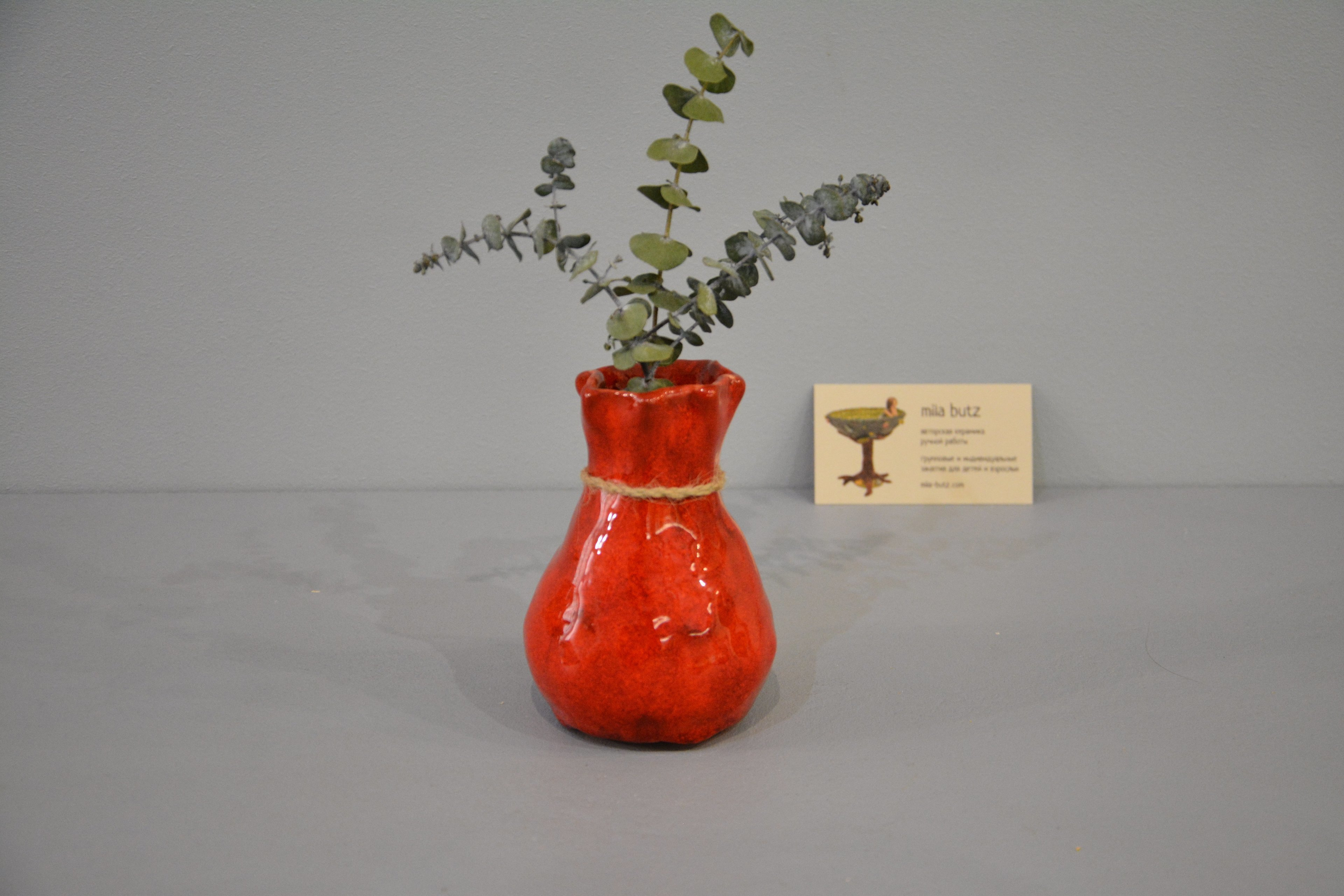 Interior vase «Red Bagful», height - 12 cm, color - red. Photo 1432.