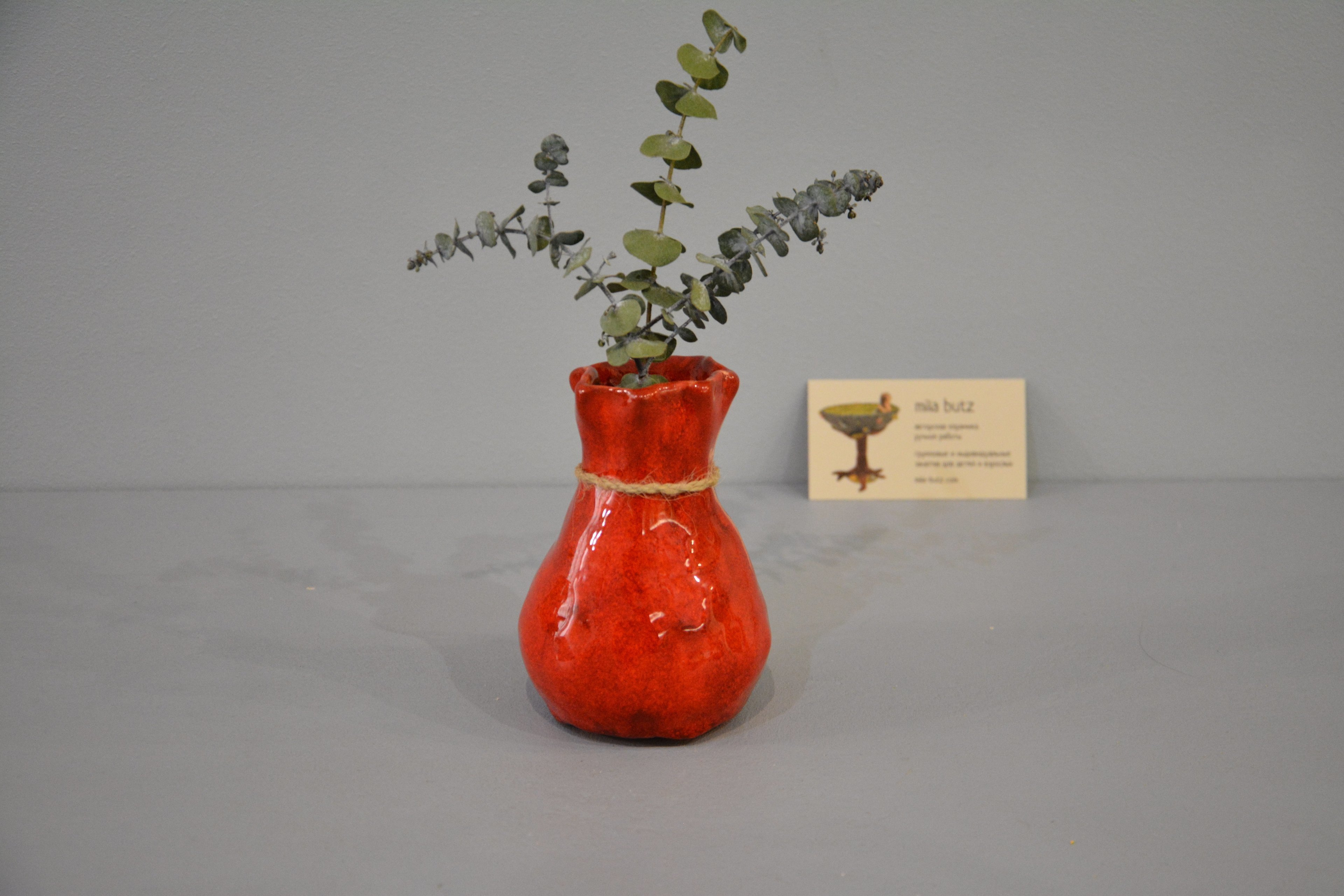 Interior vase «Red Bagful», height - 12 cm, color - red. Photo 1433.