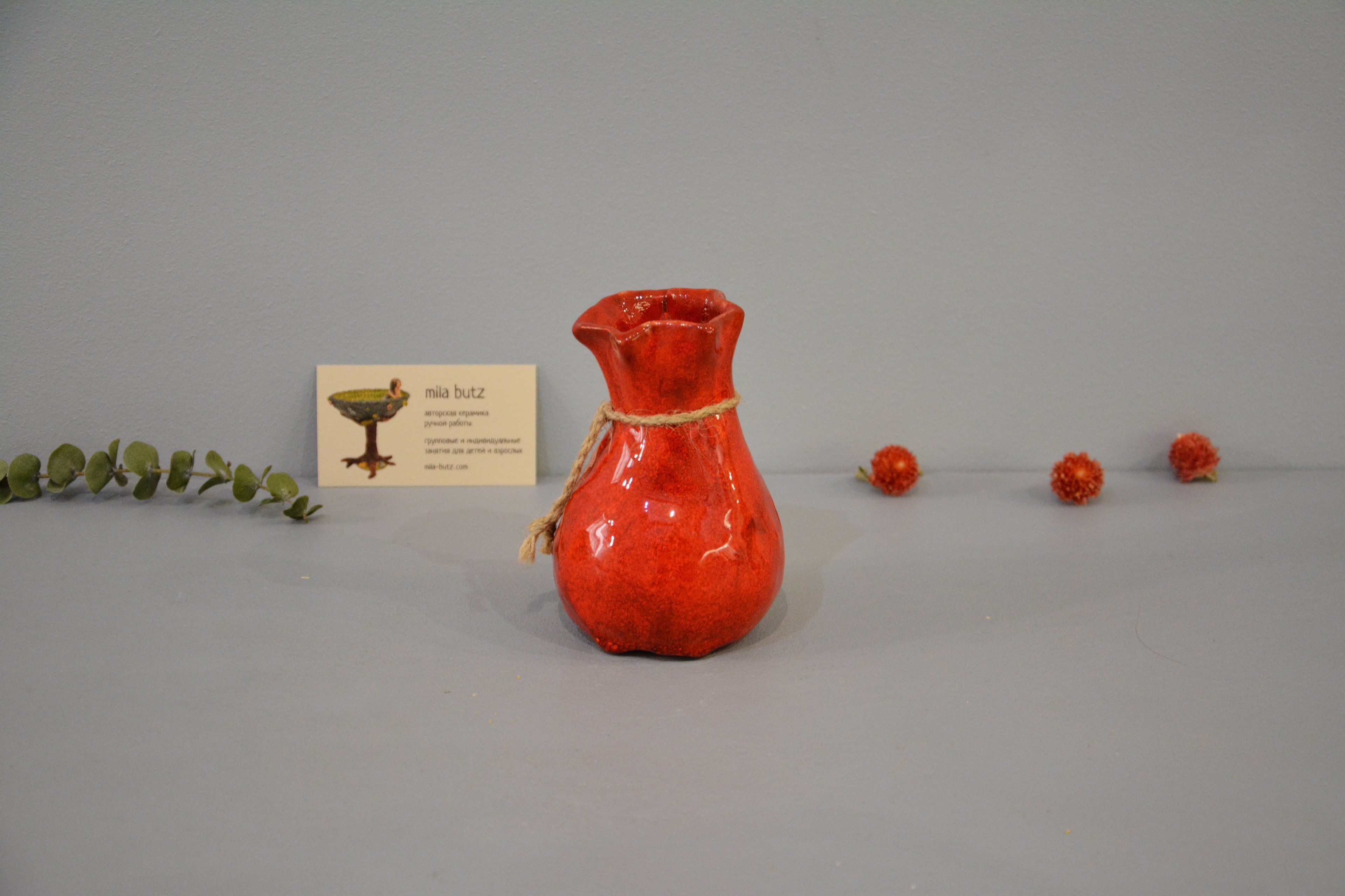 Interior vase «Red Bagful», height - 12 cm, color - red. Photo 1437.