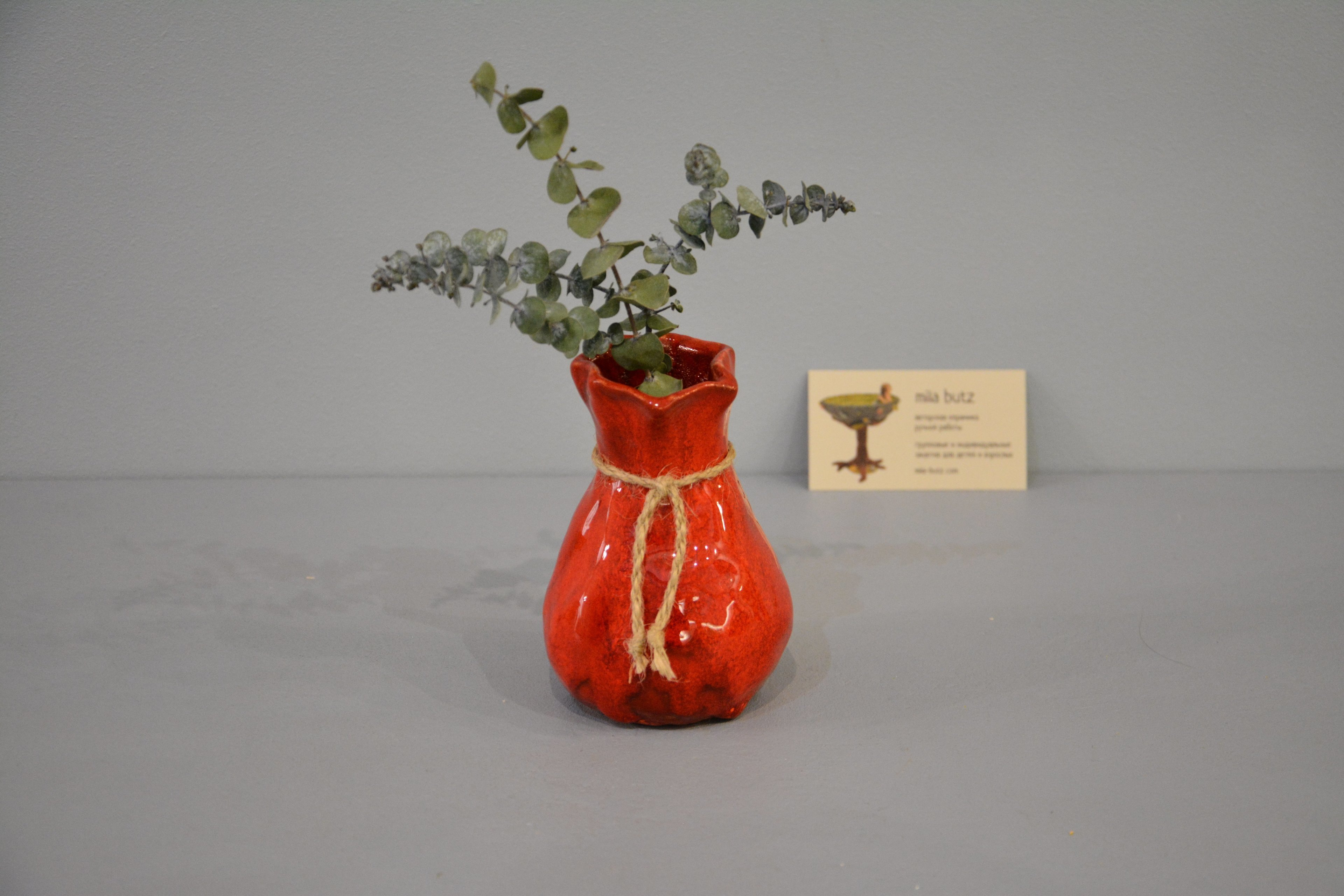 Interior vase «Red Bagful», height - 12 cm, color - red. Photo 1431.