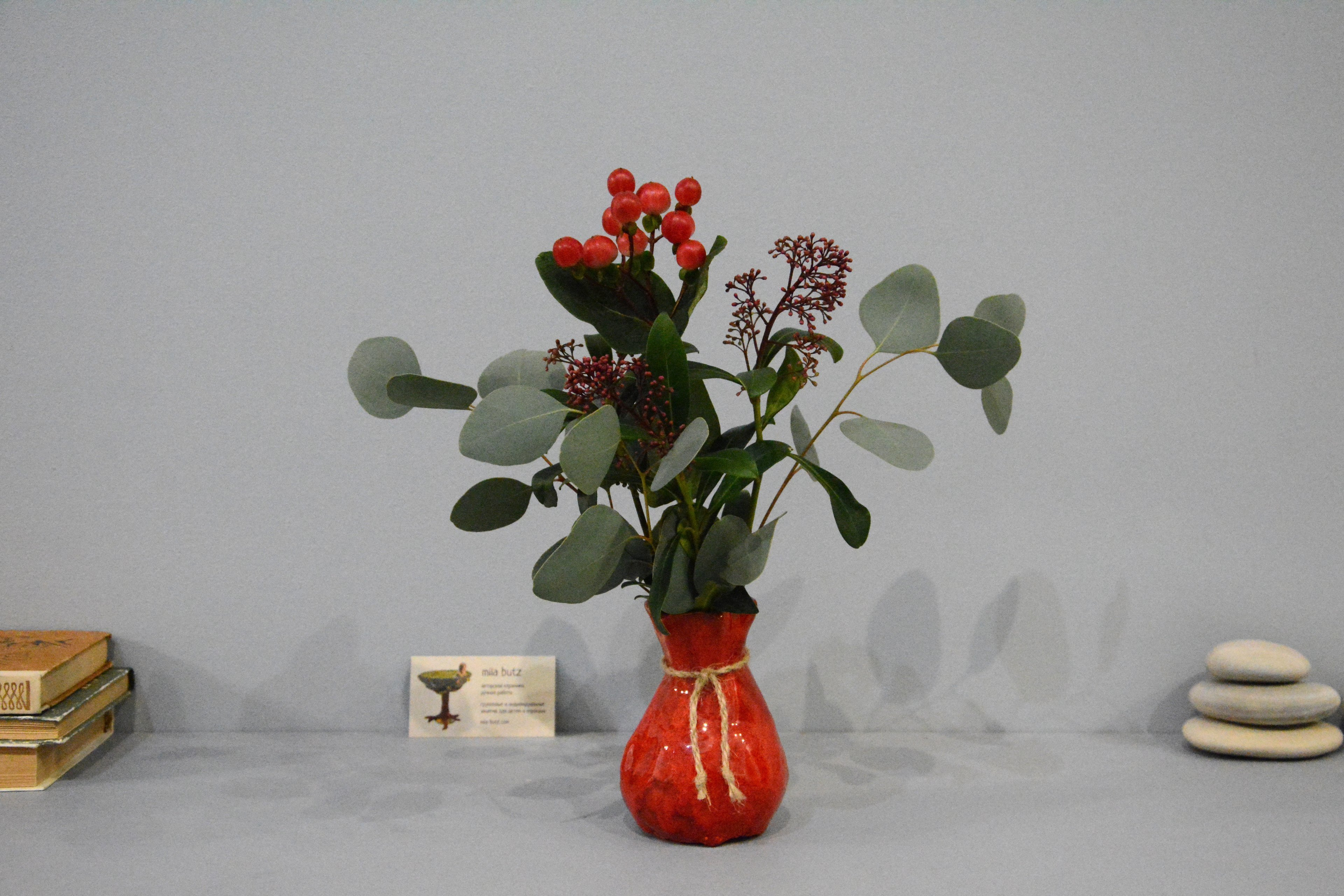 Small Vase or flowers «Red Bagful», height - 12 cm, color - red. Photo 1408.