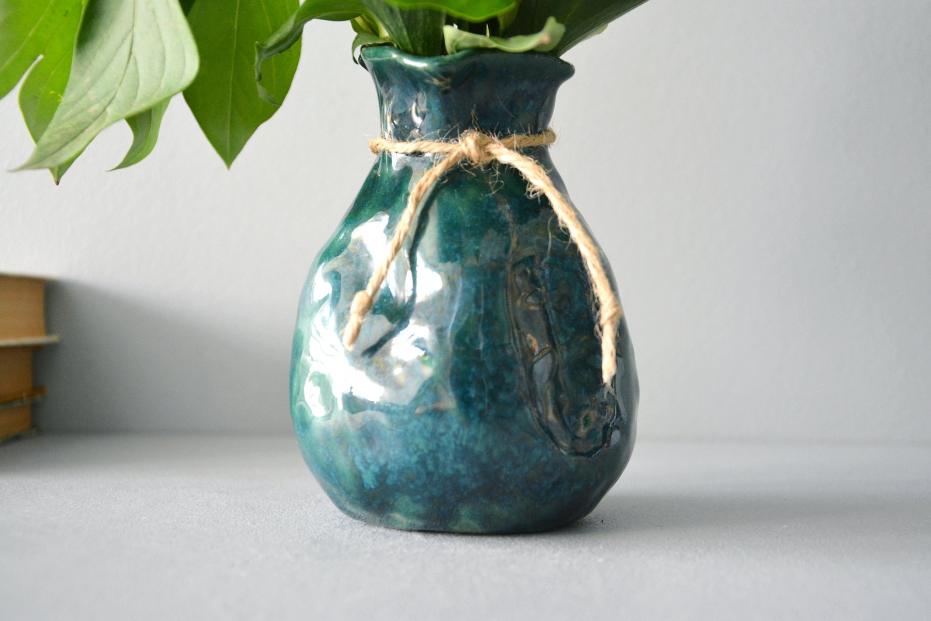 Exclusive vase is an incredible green bag, height - 12 cm, color - deep emerald, photo 7 of 8. 1027.