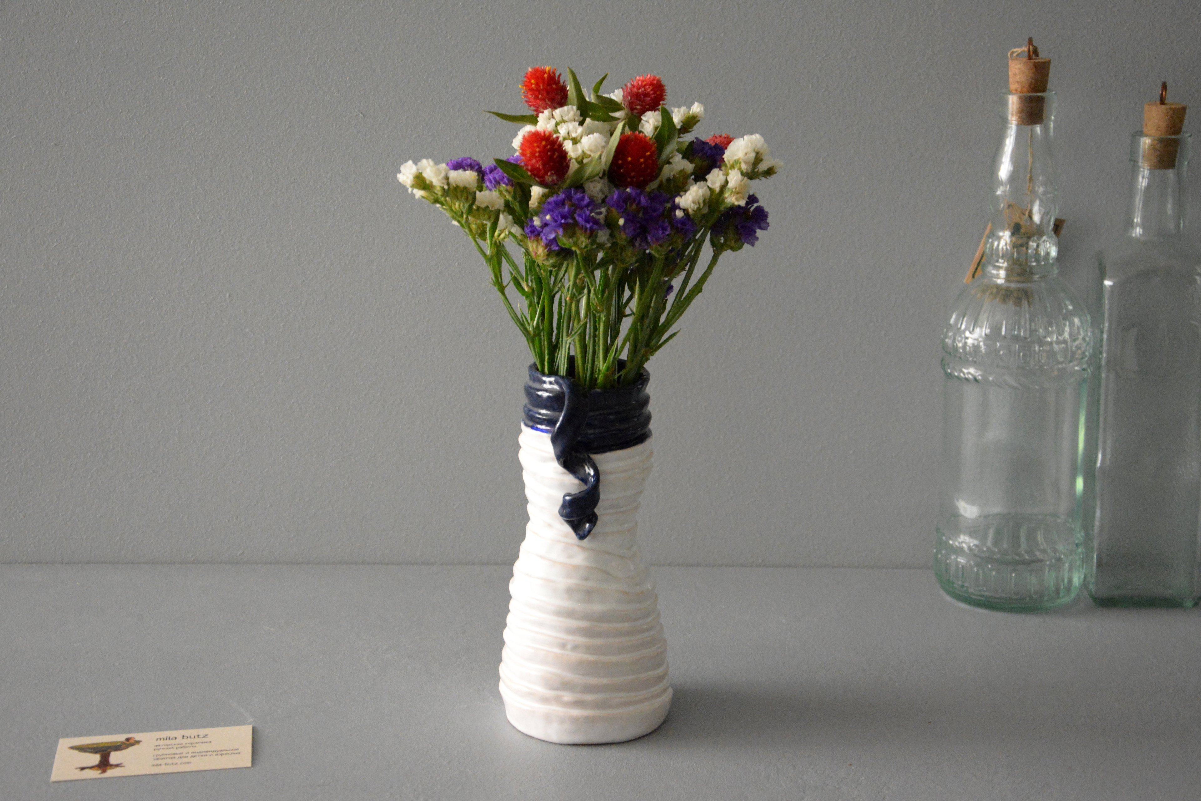 Decorative vase «Tourniquets and cobalt blue webbing», height - 18 cm, color - white. Photo 1232.