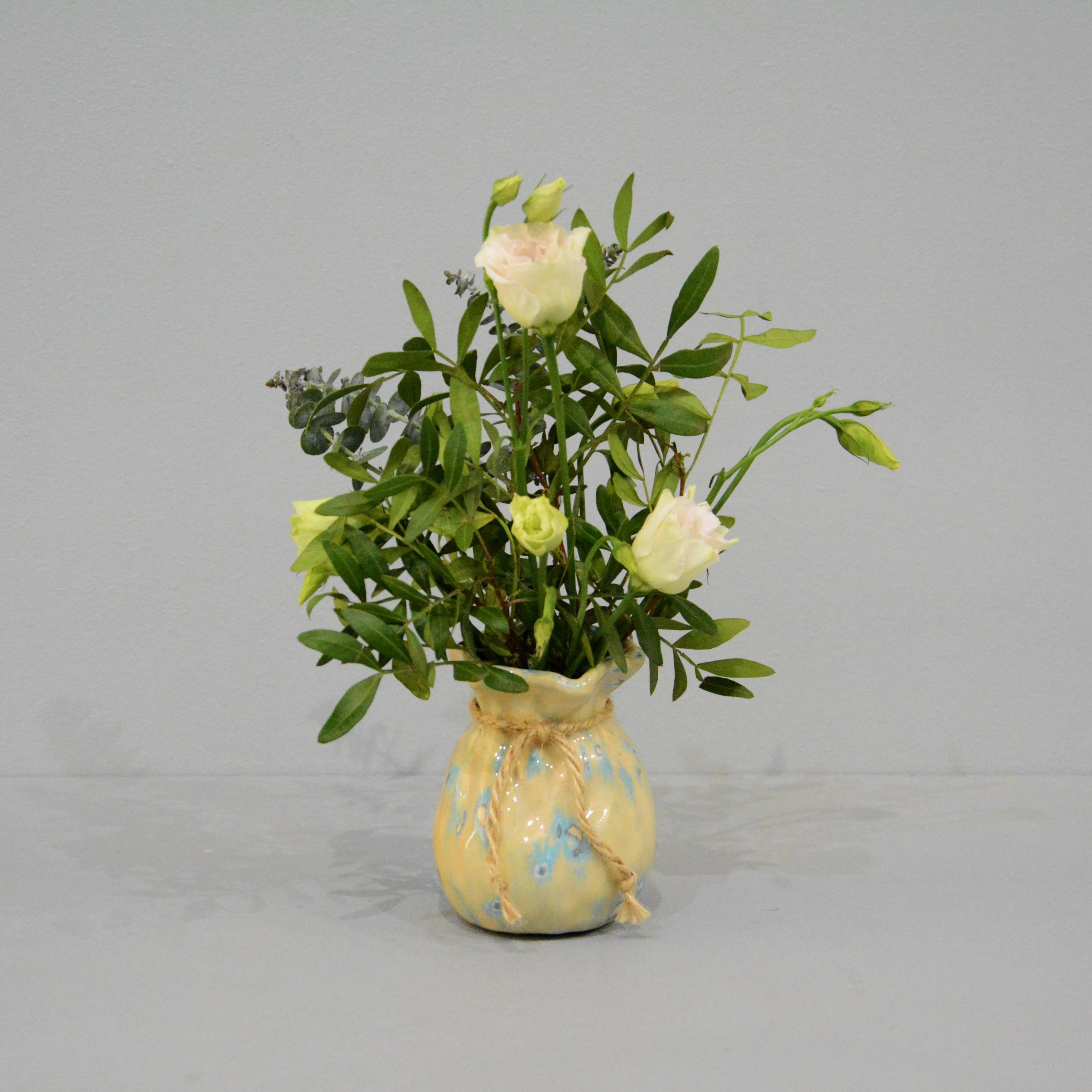 Candle vase «Beige Bagful», height - 9 cm, color - beige. Photo 1413-3840-3840.