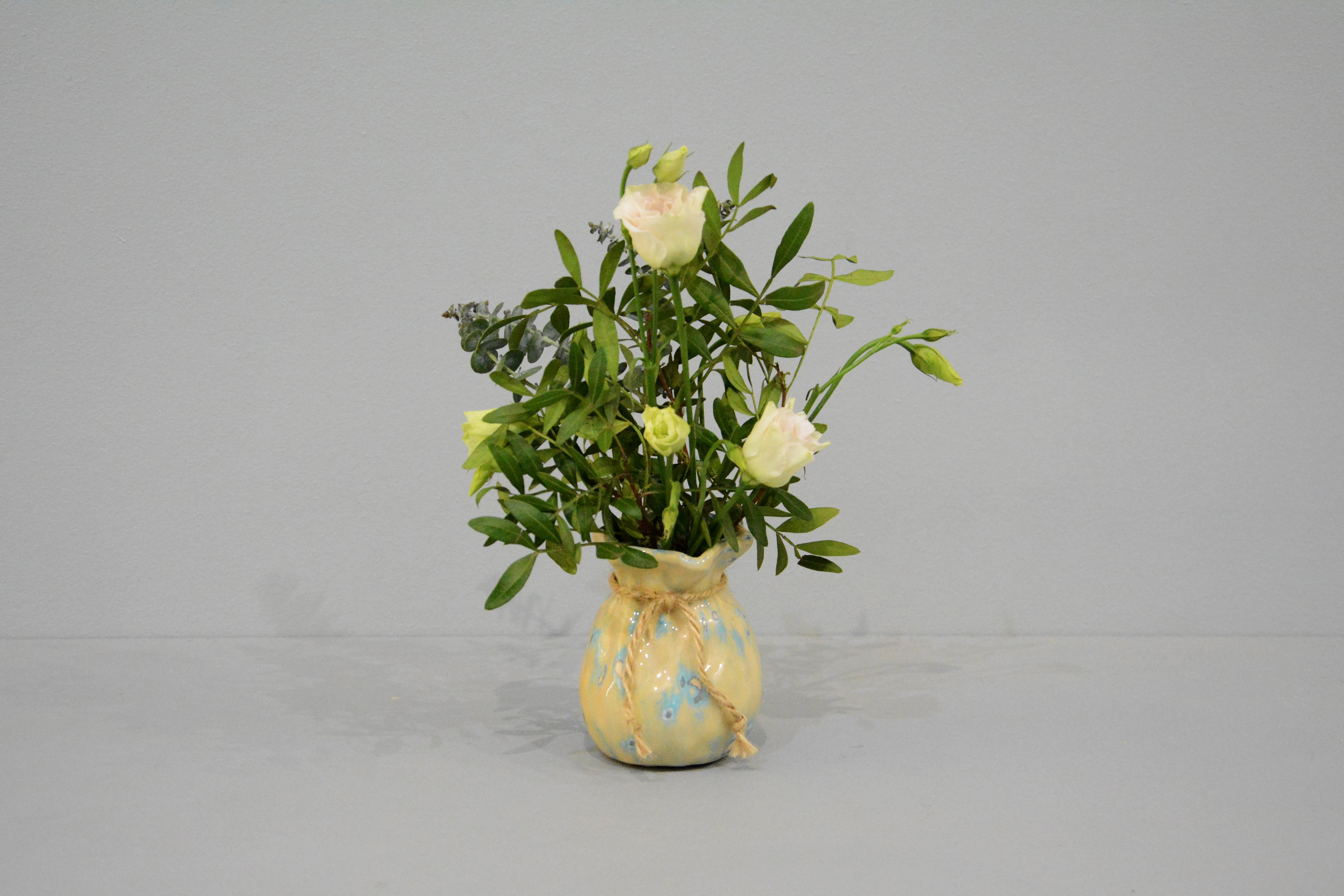 Candle vase «Beige Bagful», height - 9 cm, color - beige. Photo 1413.