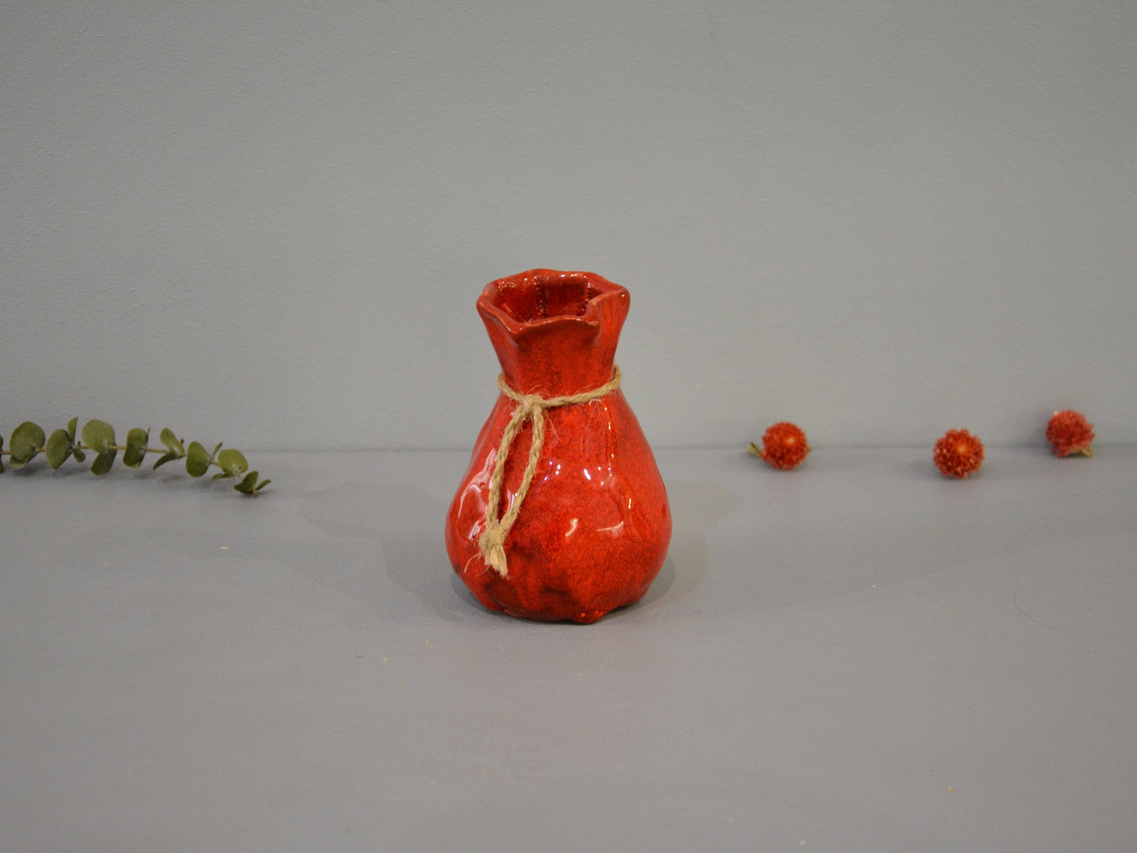 Candle vase «Red Bagful», height - 12 cm, color - red. Photo 1436-3840-2880.