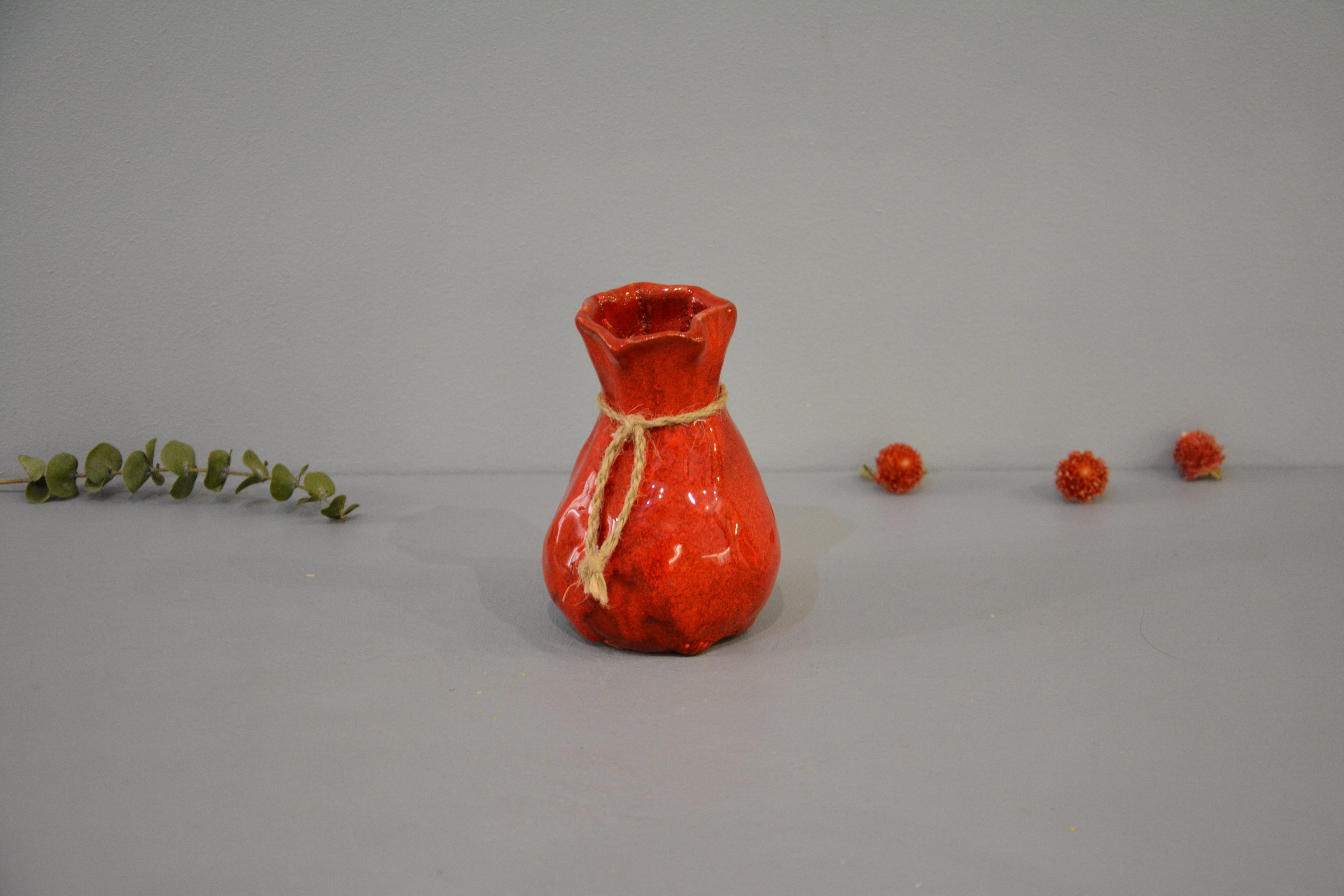 Candle vase «Red Bagful», height - 12 cm, color - red. Photo 1436.