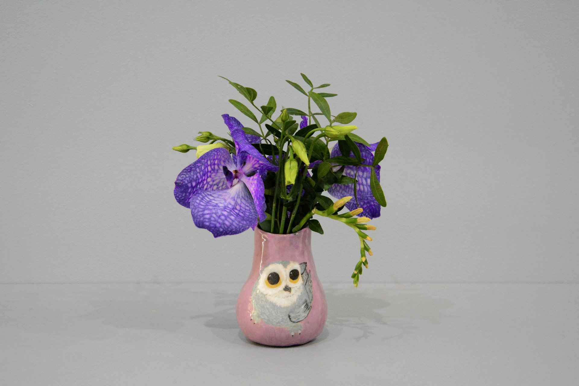Small Vase or flowers «The Snowy owl», height - 10 cm. Photo 1415.